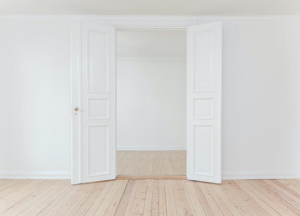 Choosing a new door: Pre-hung or door slab?